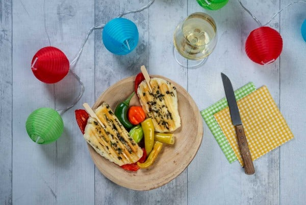 Vegetarischer-Grillspiess-mit-Halloumi-K-se-und-Paprika